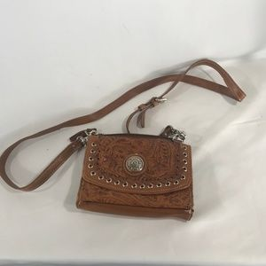"AMERICAN WEST GENUINE LEATHER PURSE 8"" X 6"""